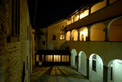 0134 LV il II° chiostro by night
